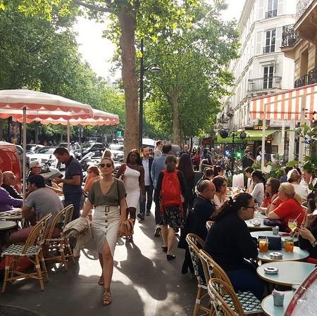 paris sidewalk (2).jpg