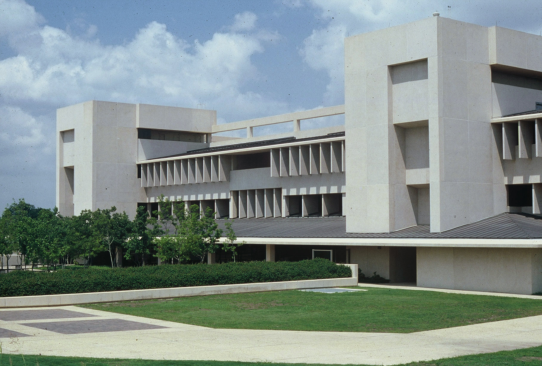 UTD McDermott Library