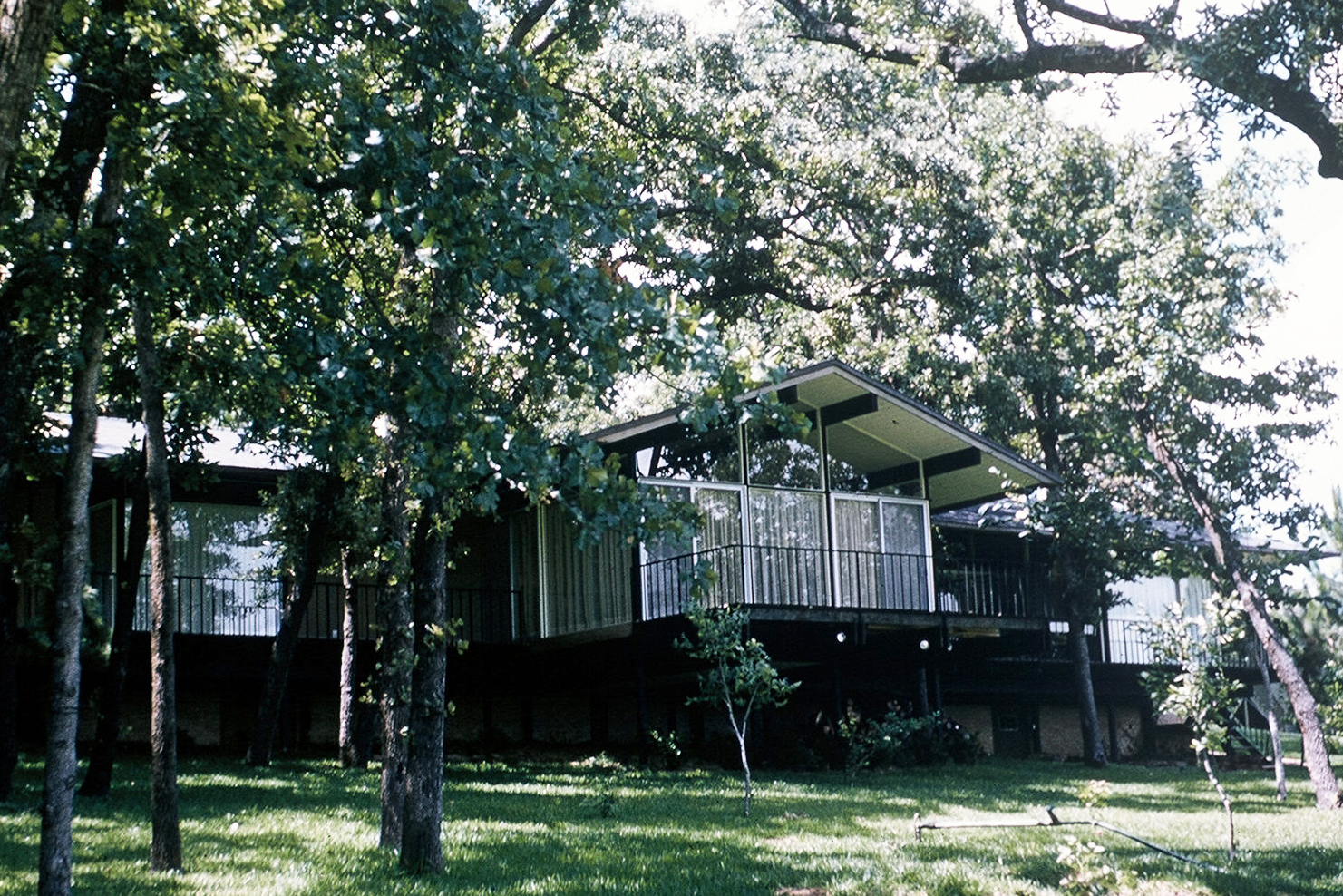 Cain Residence - Athens, TX