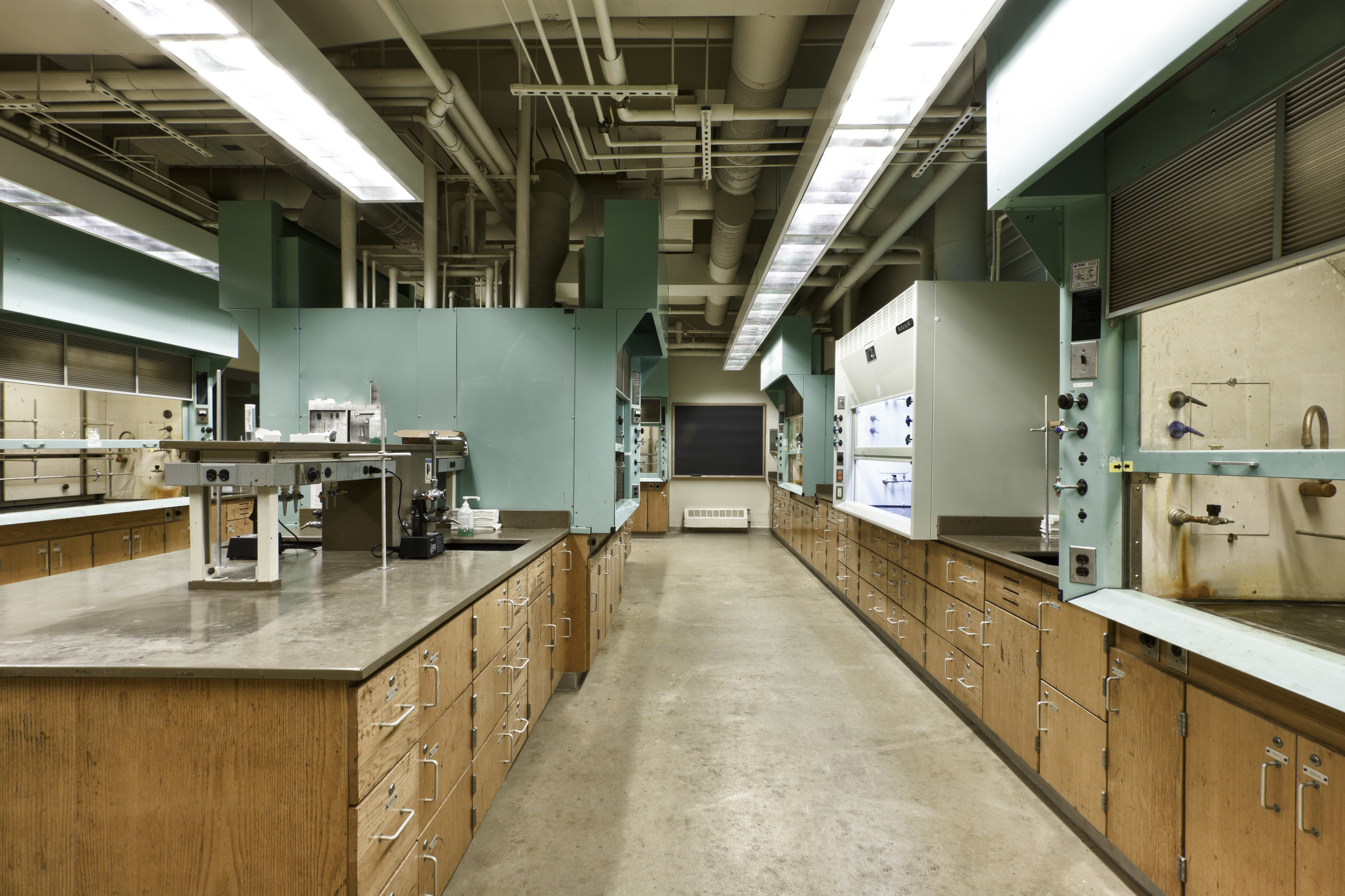Research/Teaching Laboratories  Boston College