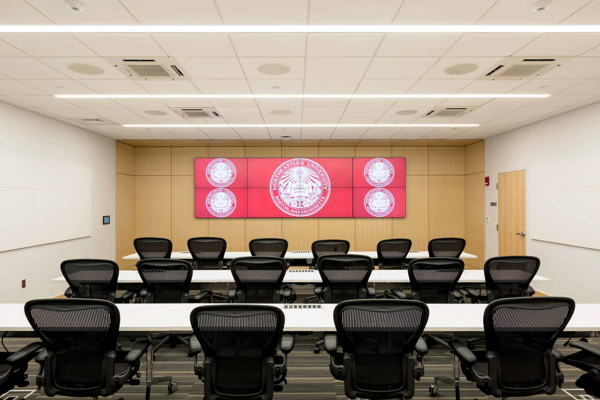 Emergency Operations Command and Campus Police Communications Center   Northeastern University