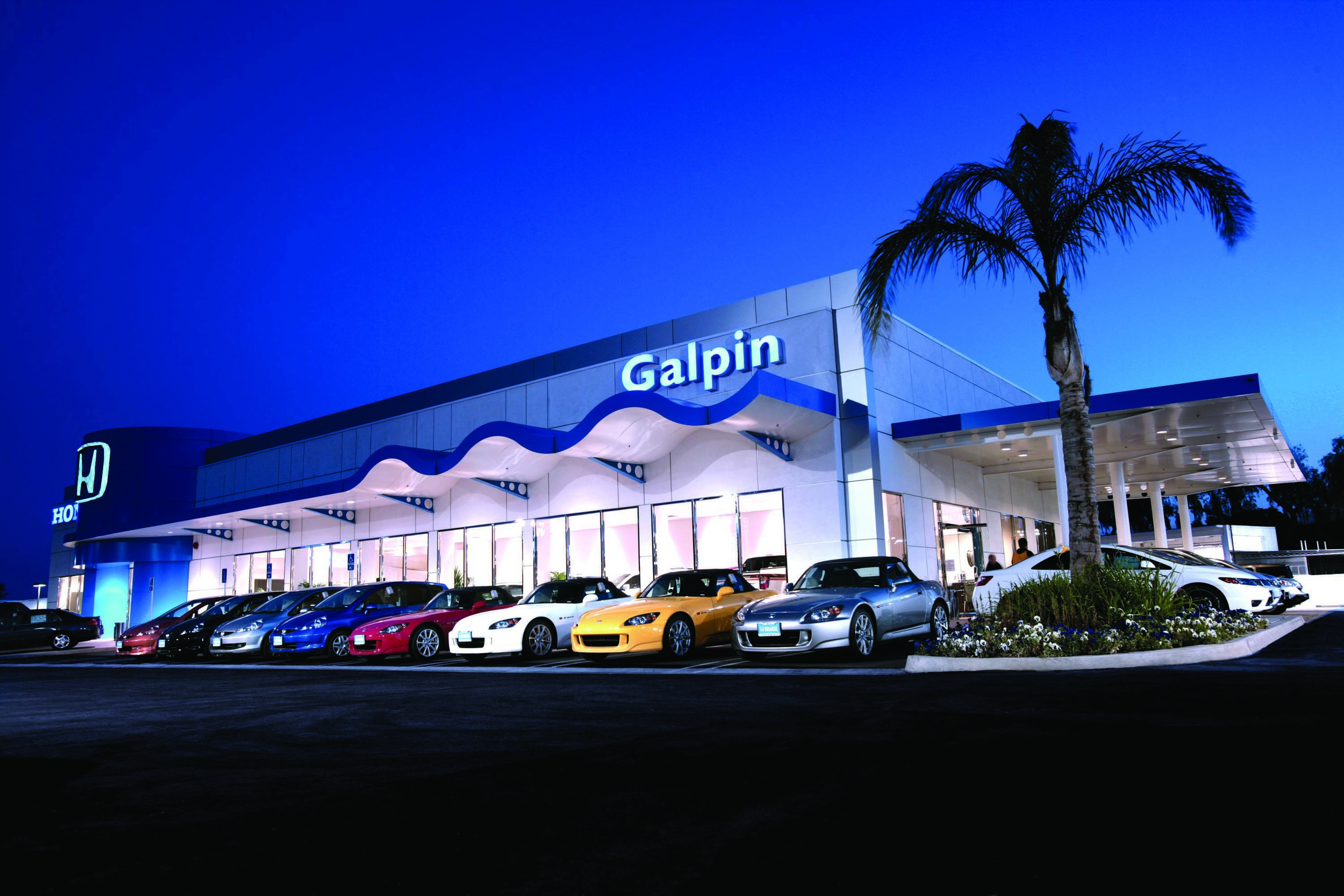 EXTERIOR-PROFESSIONAL PHOTO-GALPIN HONDA.jpg