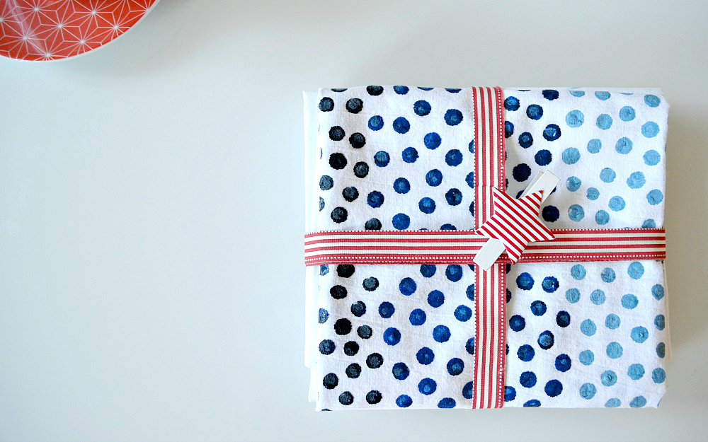The Ordinary Lovely: DIY decorated tea towels