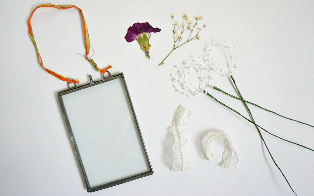 The Ordinary Lovely: Dried bridal bouquet framed