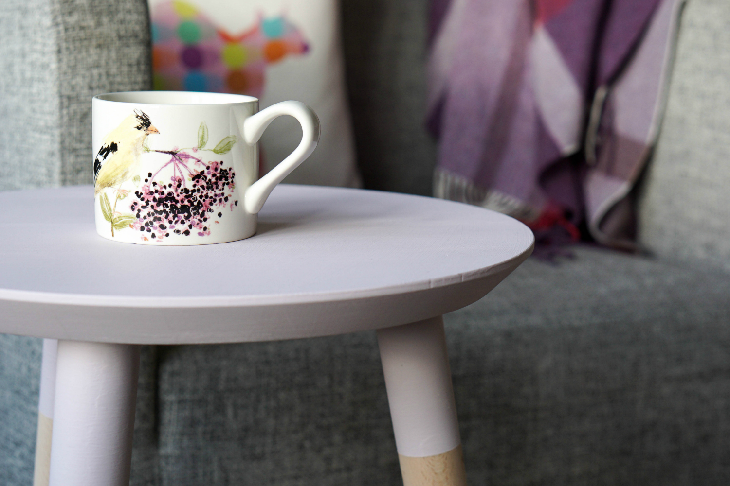 The Ordinary Lovely: Sprucing up a side table with furniture paint