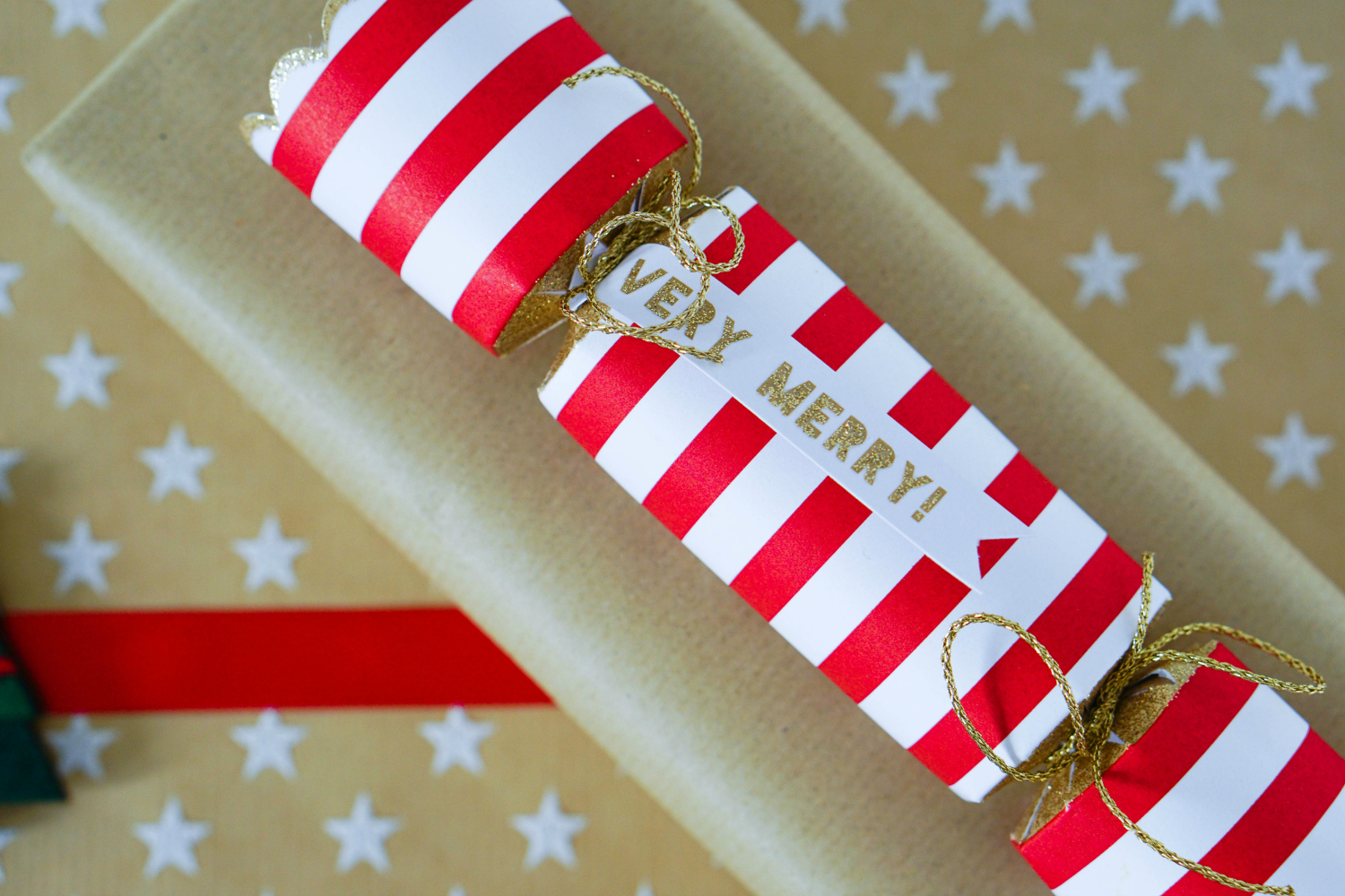The Ordinary Lovely: Fun and festive wrapping ideas