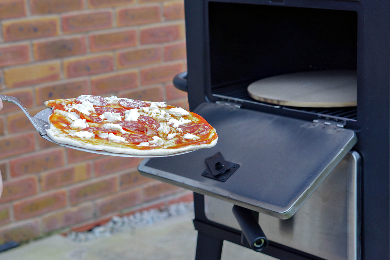 Perfect pizza parties at home with a portable pizza oven