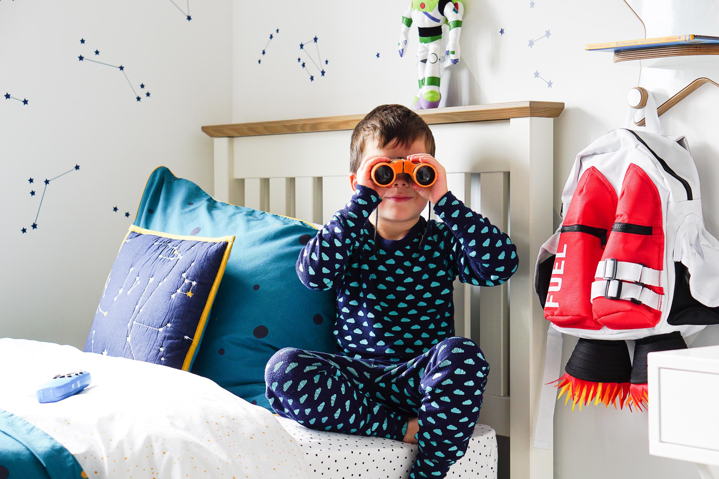Children's rooms for little galactic explorers