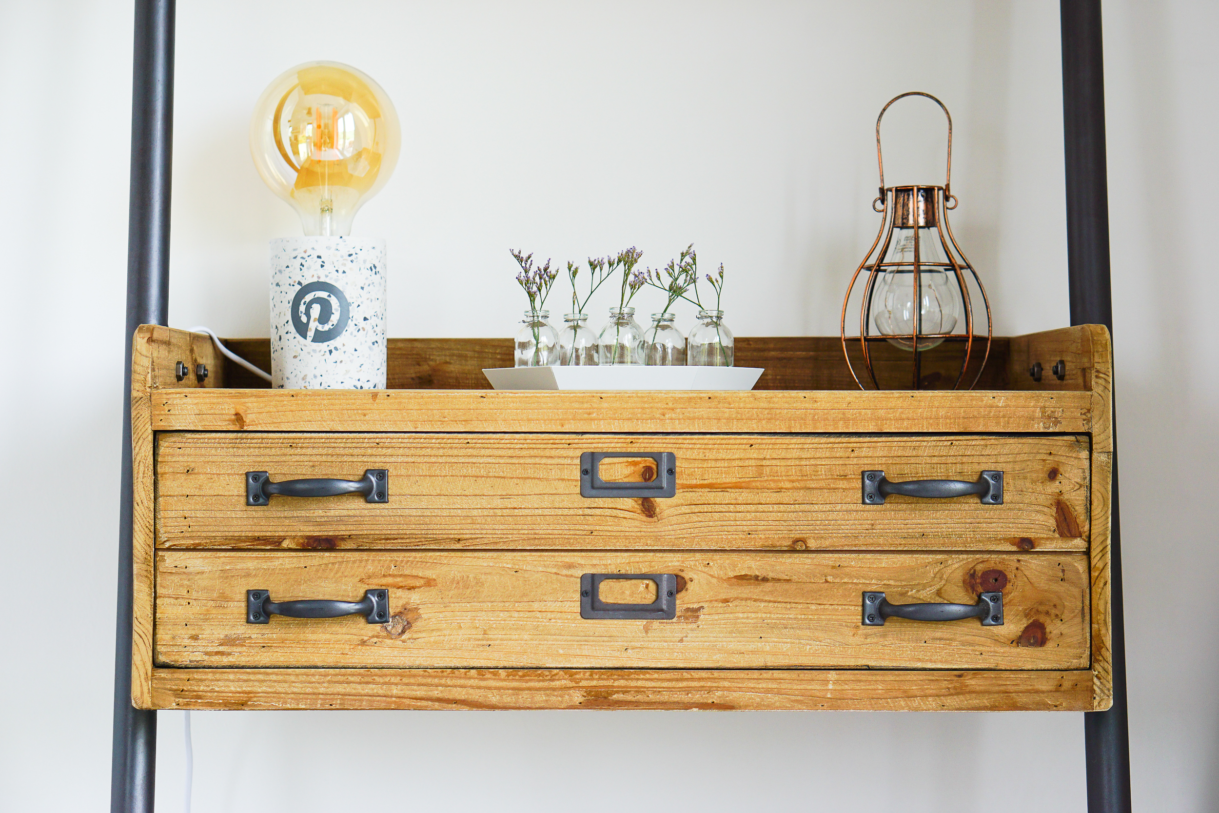 Incorporating the charm of vintage writing bureaus with the tactility of industrial shelving systems, this unique designer shelf system exudes a feeling of Scandic sophistication.