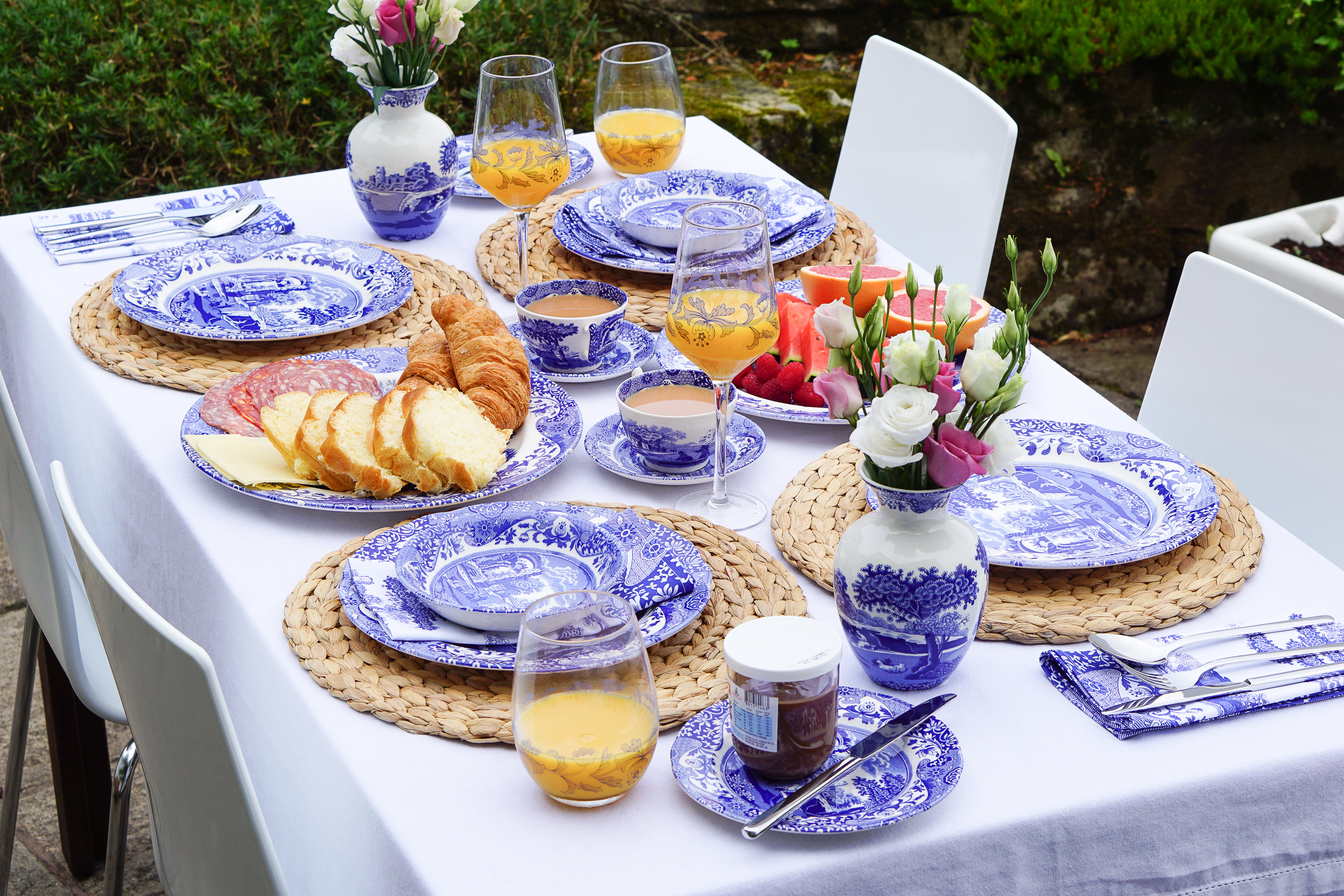 A Blue Italian family brunch with Spode ... blue and white table settings