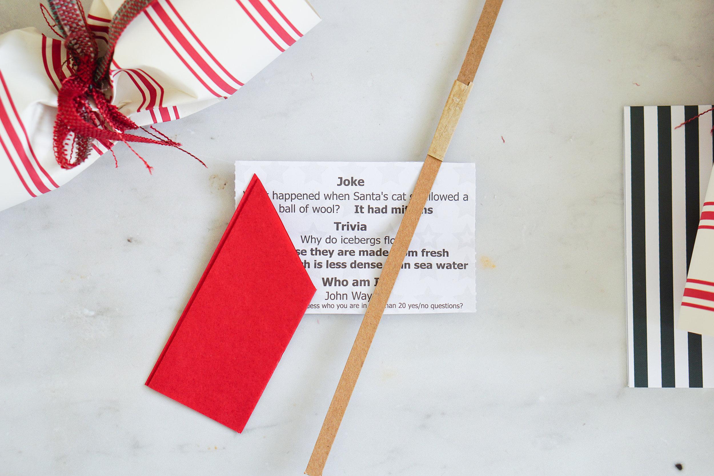 How to make homemade Christmas crackers