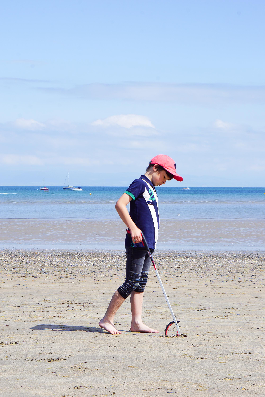 Joules beach clean in Abersoch