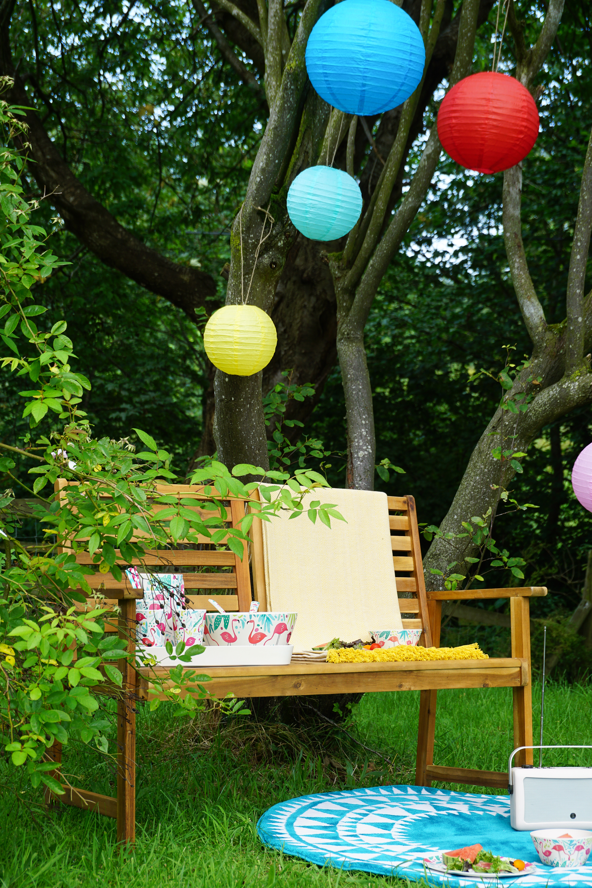 Creating happy holiday vibes at home and in the garden
