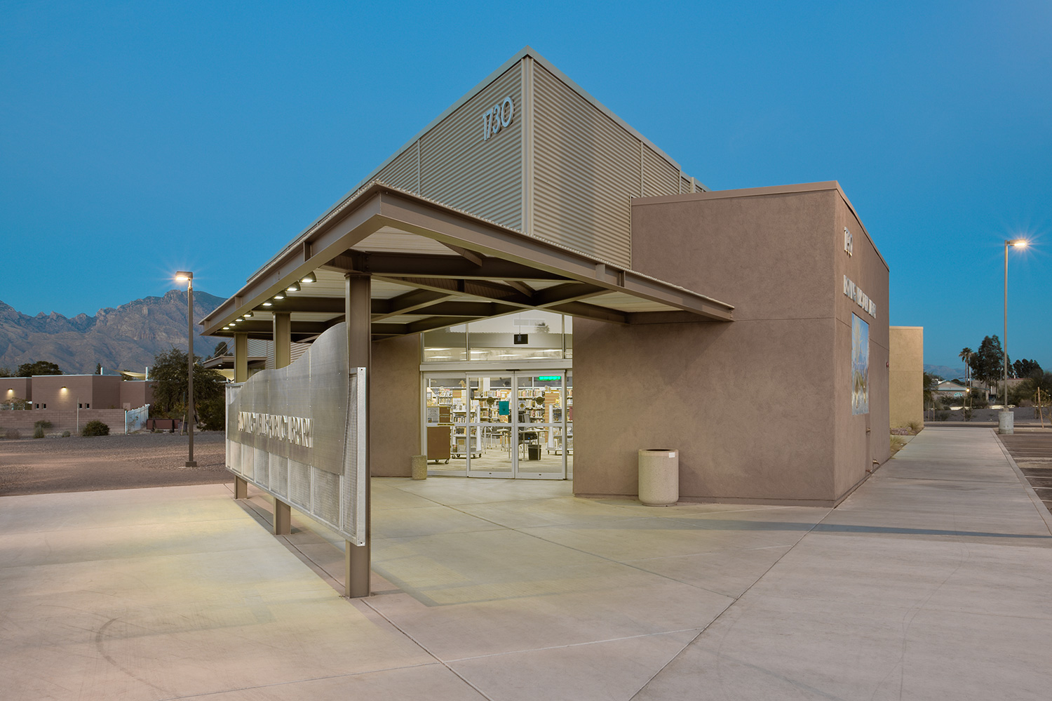 Flowing Wells Public Library   Tucson, Arizona | Pima County   click for more photos