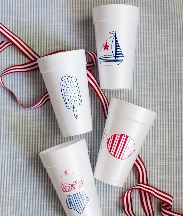 Planning your 4th of July festivities for next week?! Hop on over to @oliverhooper_paper and get 20% off all of our patriotic cups and napkins!