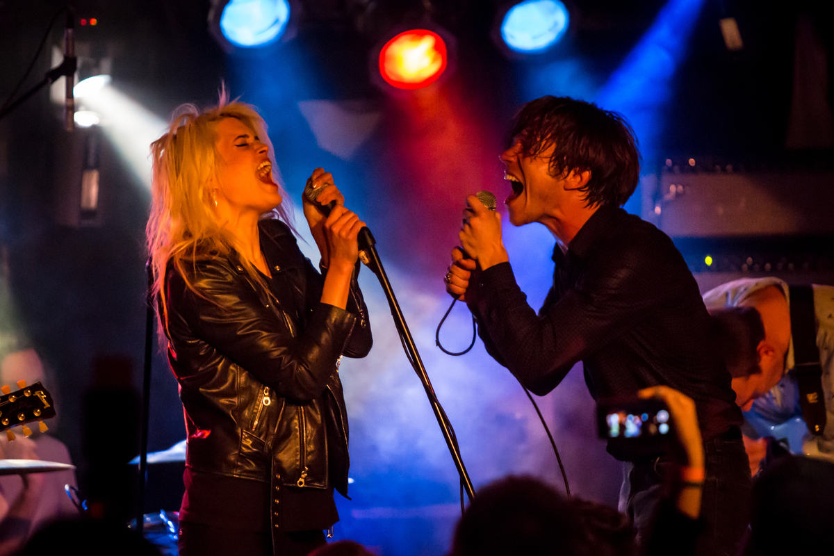 Alison Mosshart and Cage the Elephant