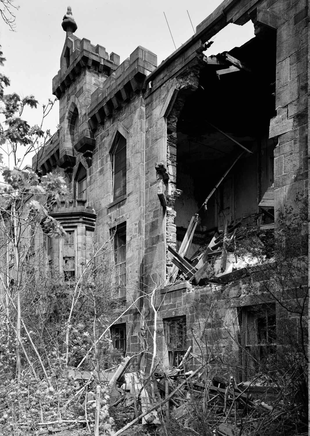West facade showing partial collapse of wall, Library of Congress, 1983