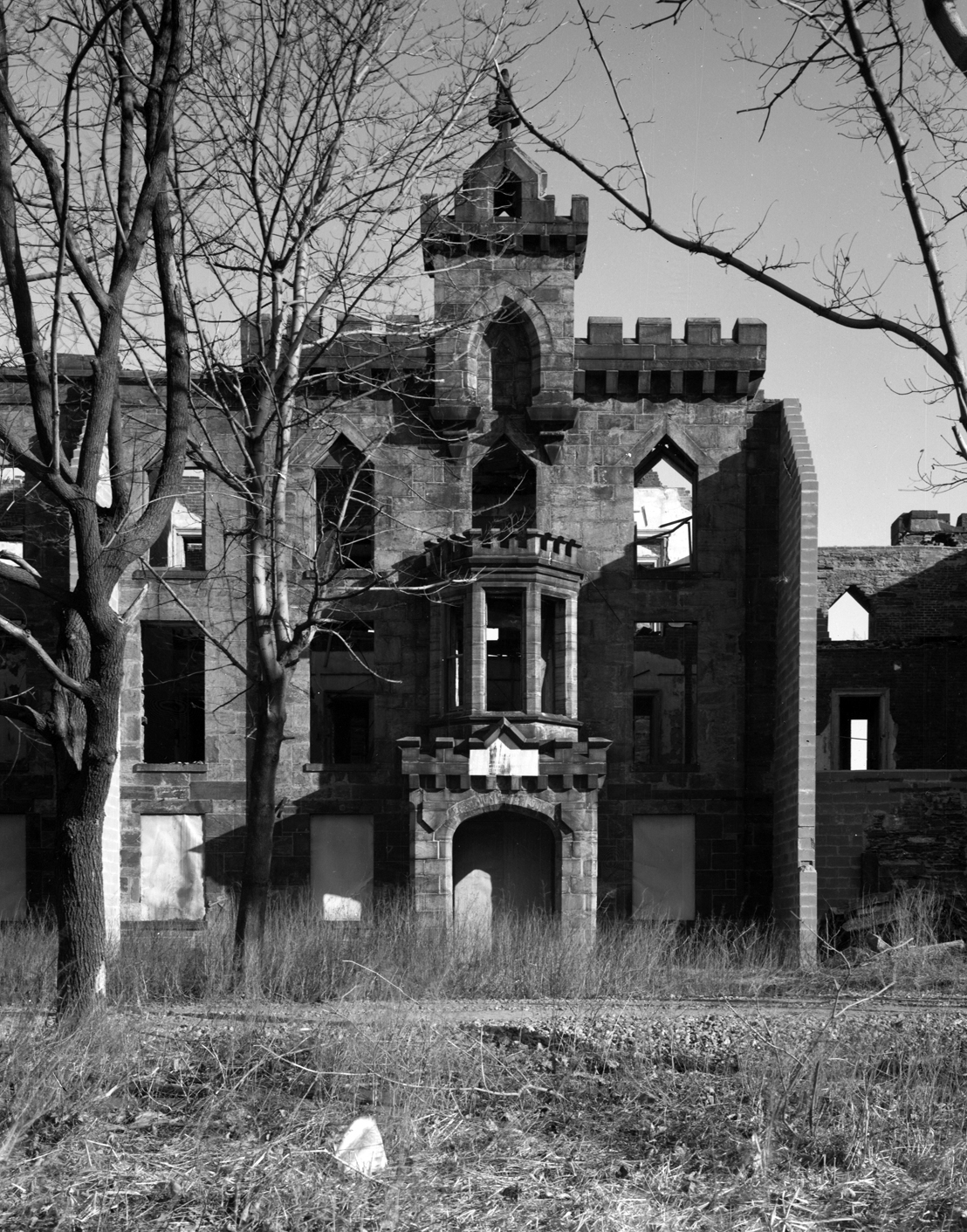 The main entrance porch of the Smallpox Hospital, New York City Landmarks Preservation Commission