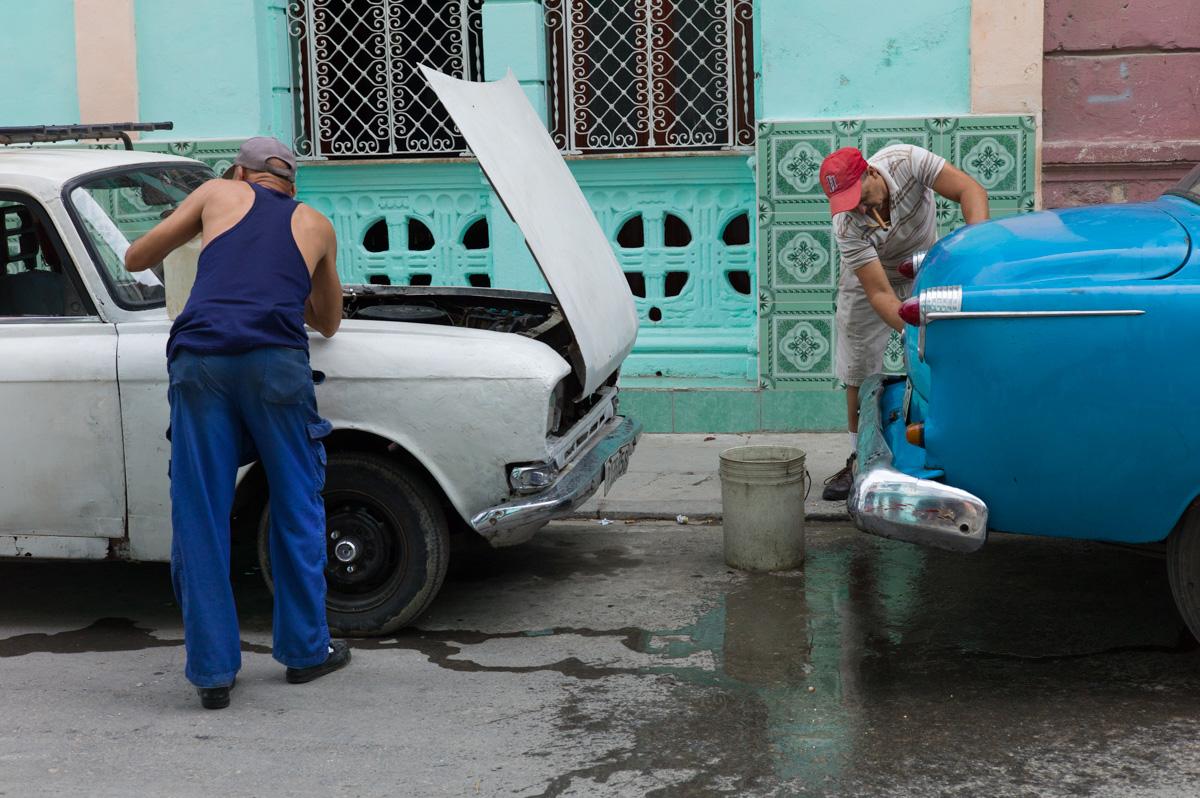Maintenance, Havana, March 2016