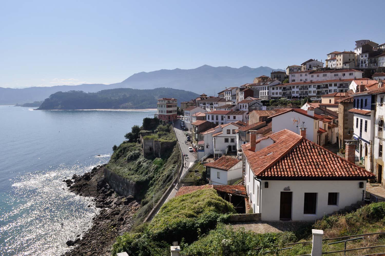 1b - Asturian opener - Llastres fishing village ©MonicaRGoya.jpg