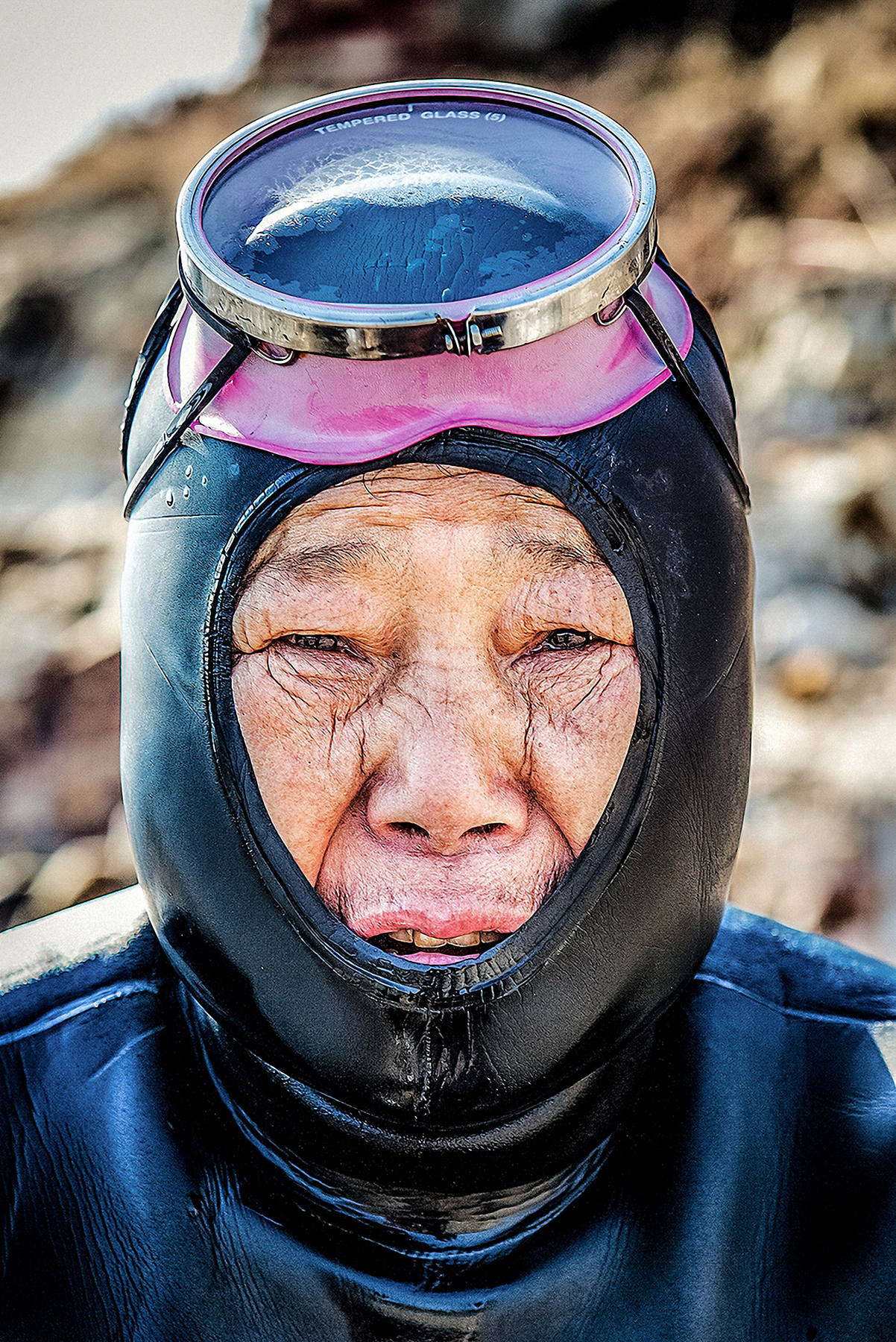 "The subjects reflected in my work are called ""Haenyo, literally meaning ""sea women"" in Korean. These women have a century-old history of making their own living by catching oysters, sea cucumbers, abalones, sea urchins, and squids. They hold their breaths for over two minutes and dive to depth of twenty meters without using any diving equipment. I believe that these women divers are carrying on a Korean legacy as having lifelong profession."
