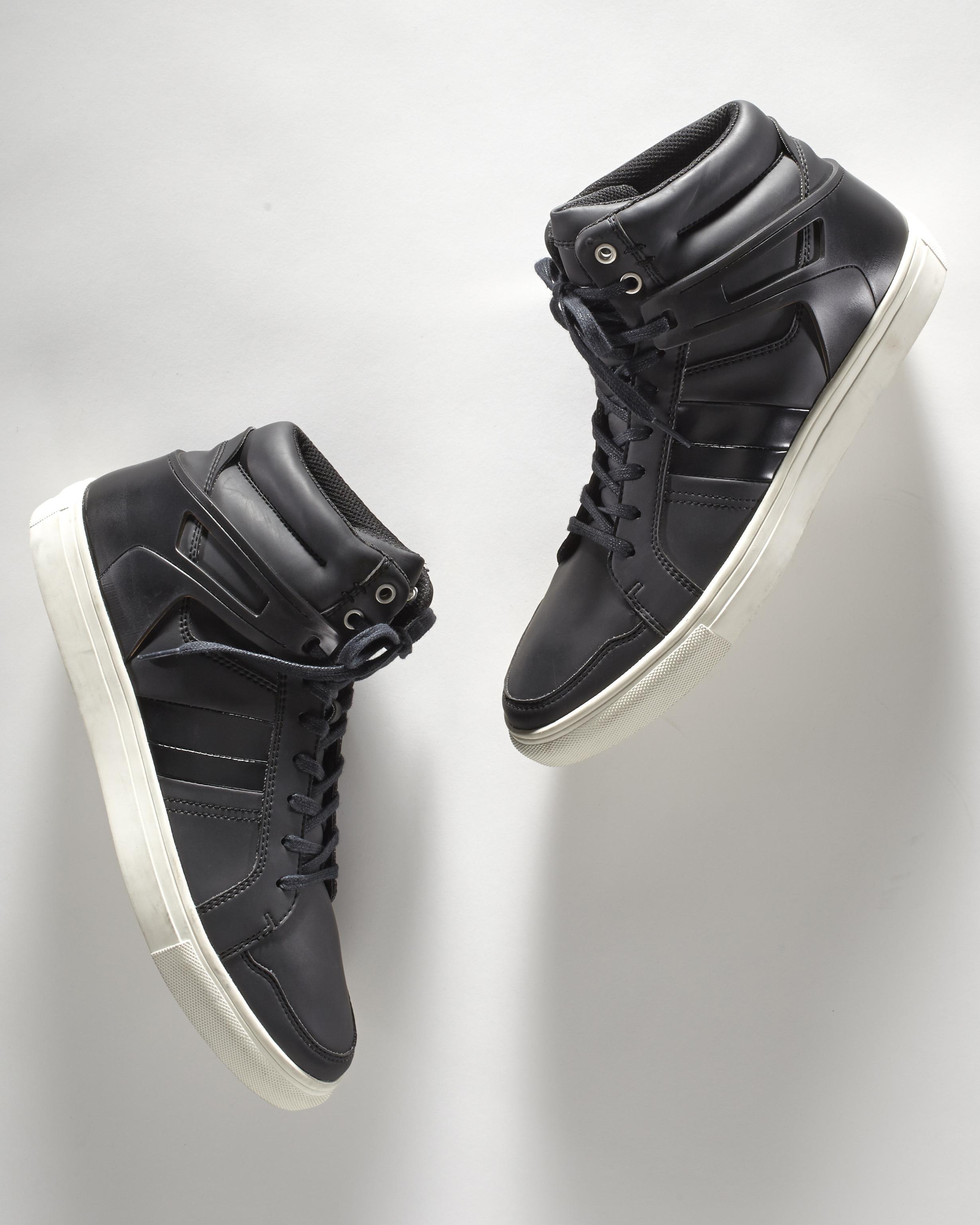 Sneakers-522.jpg