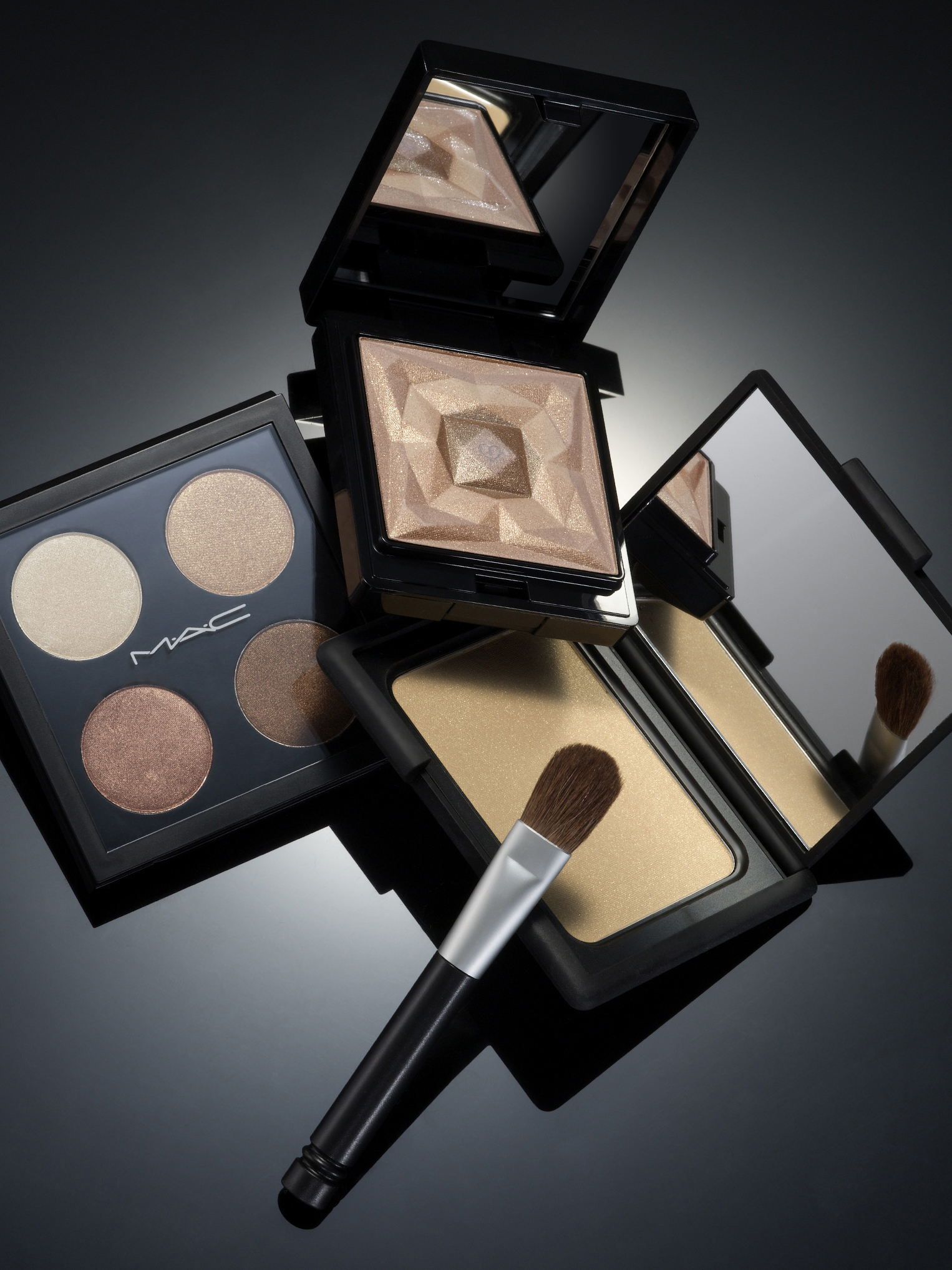 023-0127-MakeupGroup002_iPad.jpg
