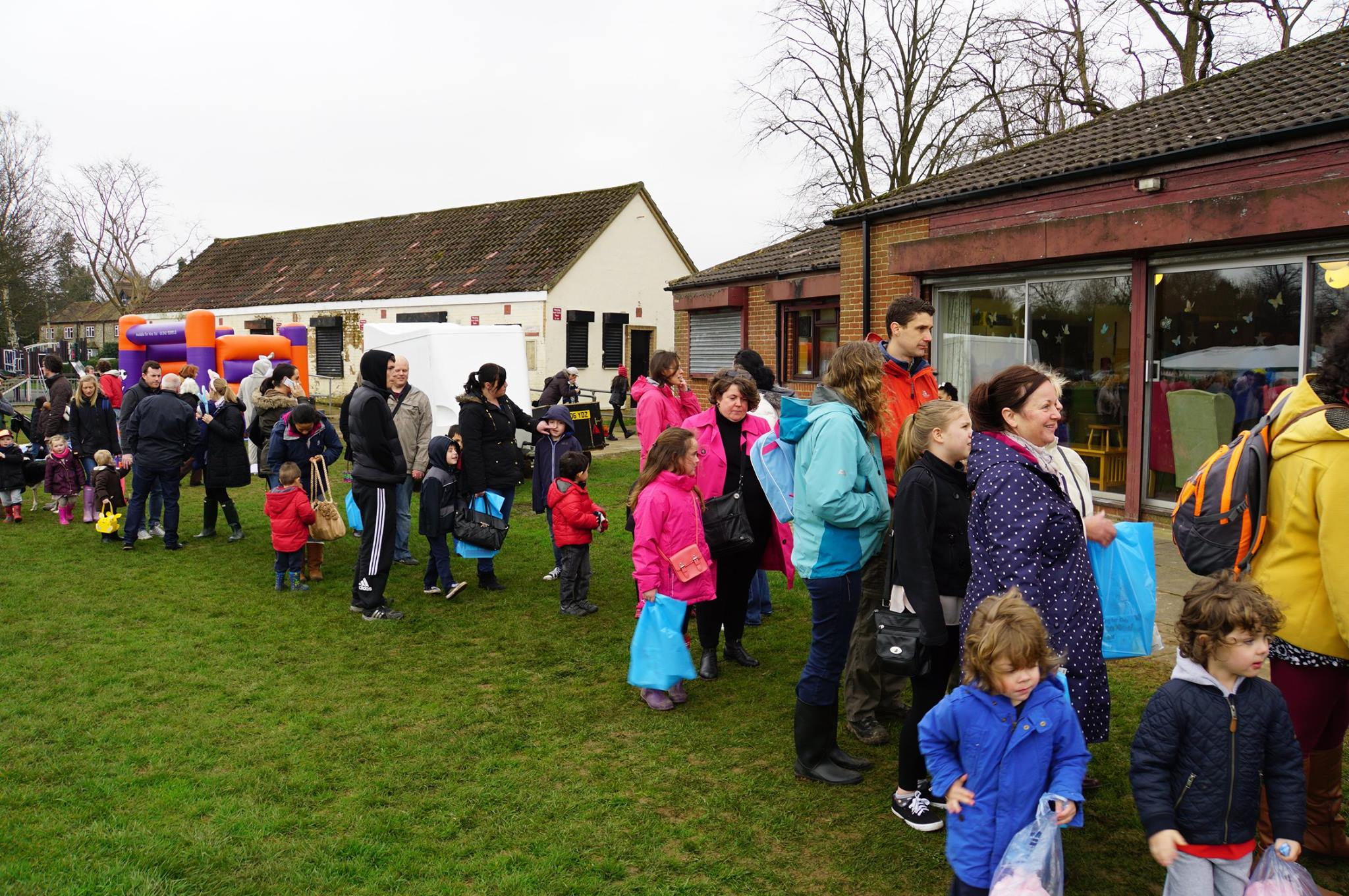 Queue for Easter trail.jpg