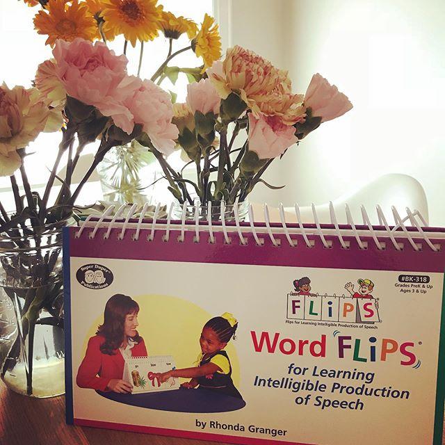 An oldie, but a goodie!! @superduperpub #wordflips #superduper #superduperpublications #speech #speechproduction #slp #slplife #slptoys #kids #cda #speechtherapy #bilabial #alveolar #velar #palatal #words #sounds #toronto
