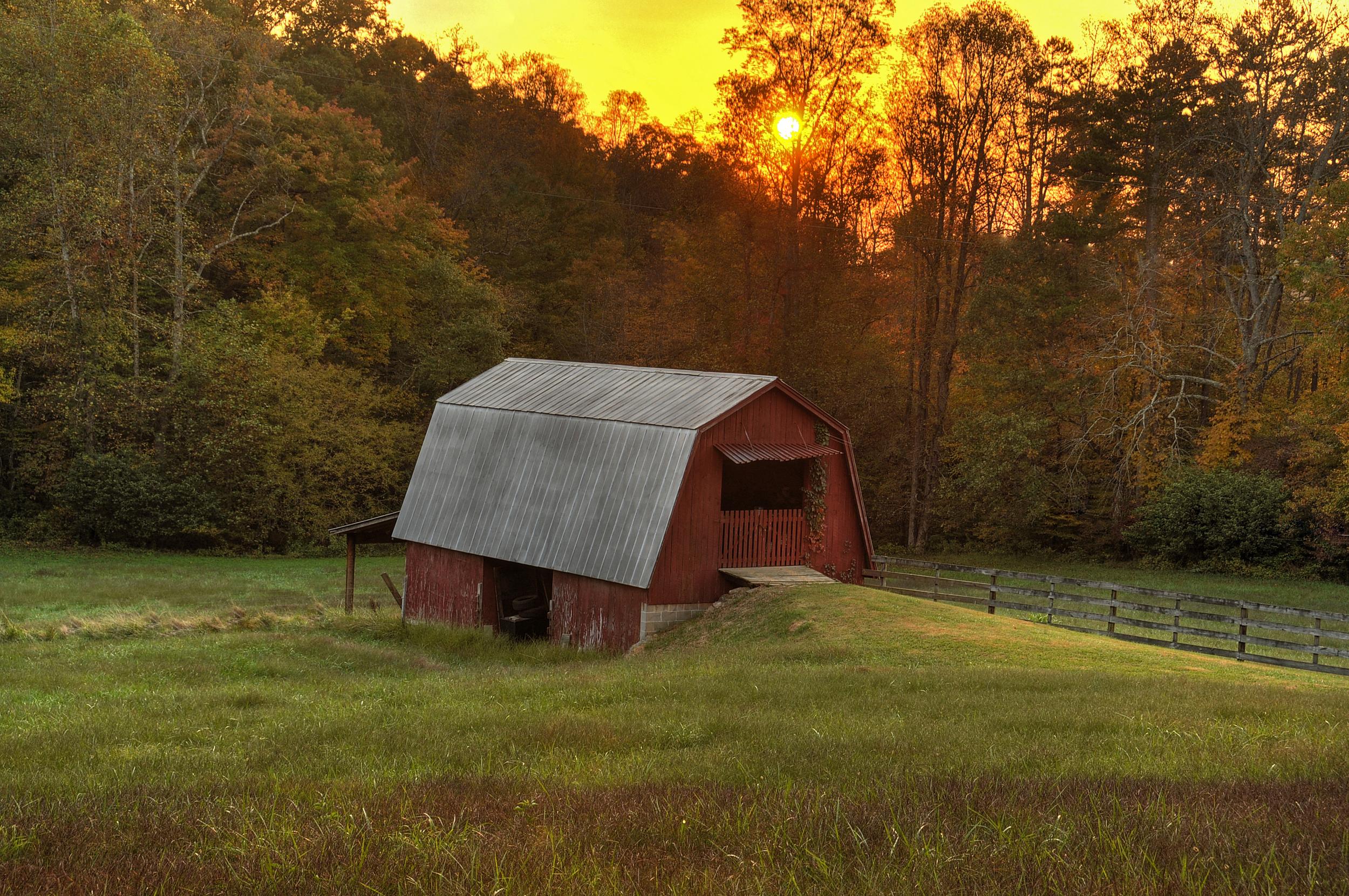 Lower StarCreek barn1.jpg