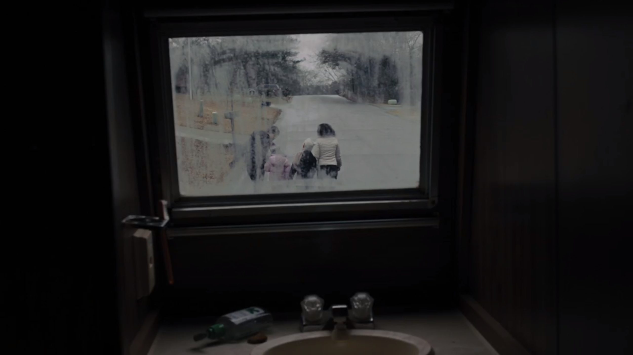 Prisoners - This shot gives an impression of the kidnapper and the family at the same time.