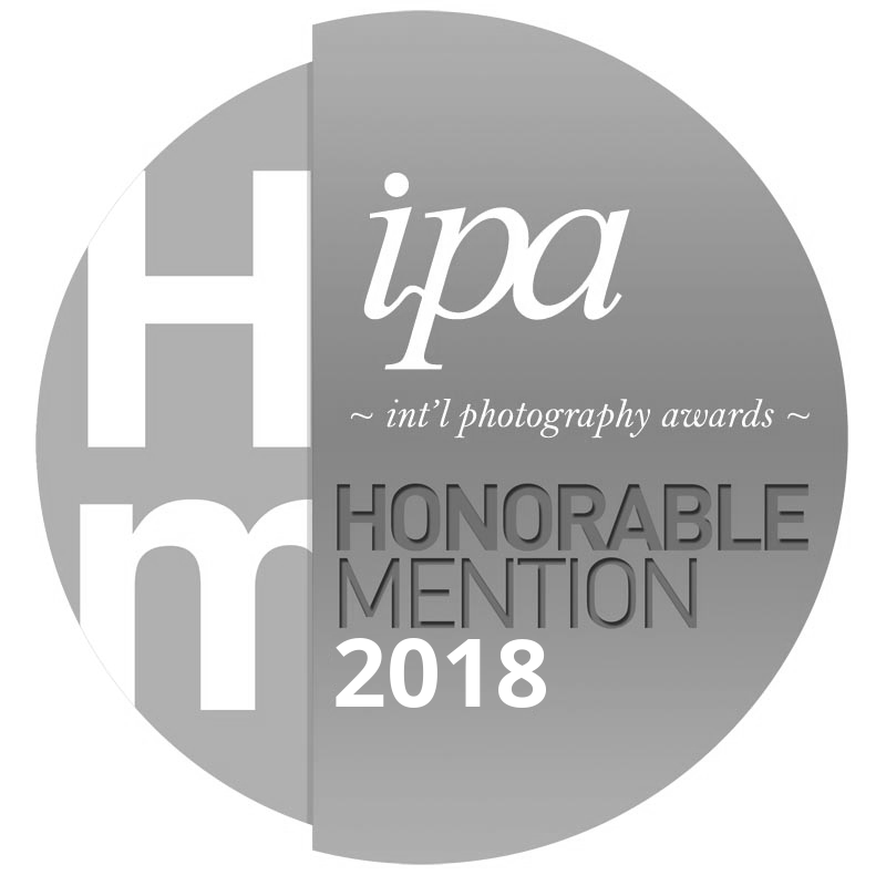 International Photography Awards Badge B&W.png