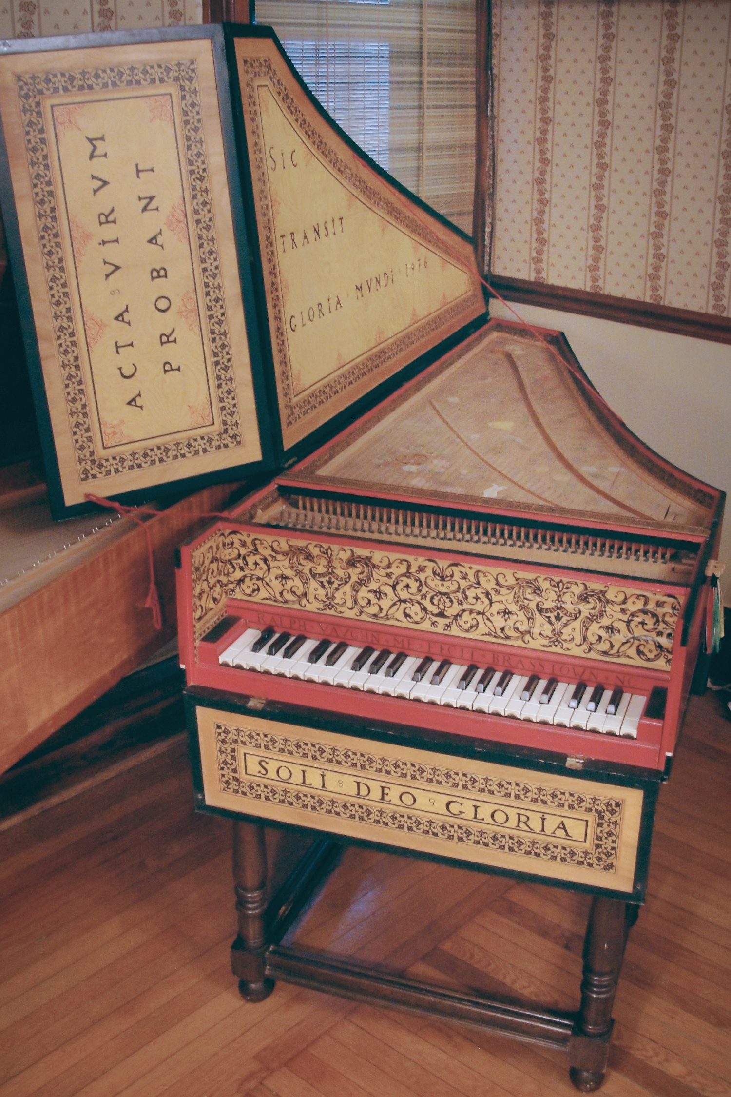 A Flemish instrument copy of an Andreas Ruckers harpsichord (in Kirnberger's 3rd temperament)