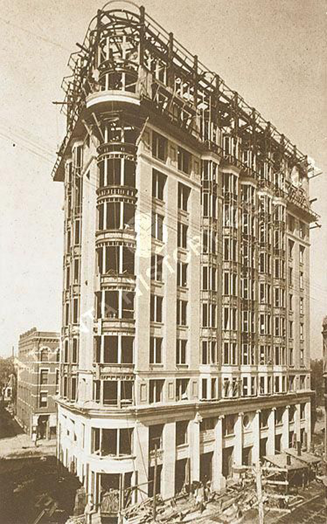 Construction  of the English American Building (also known as the Flatiron Building) in downtown Atlanta, 1897. [Atlanta History Center]