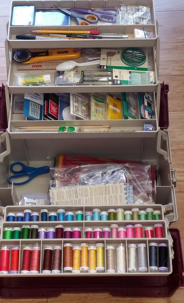 The most organized stitching kit I've ever seen