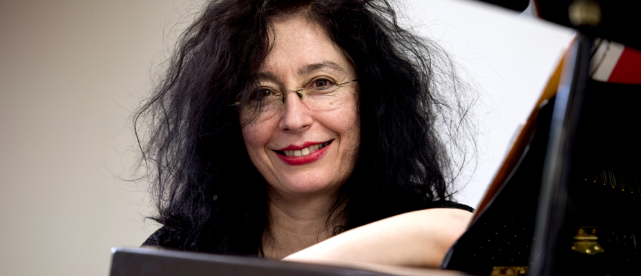 Elena Kats-Chernin - composer