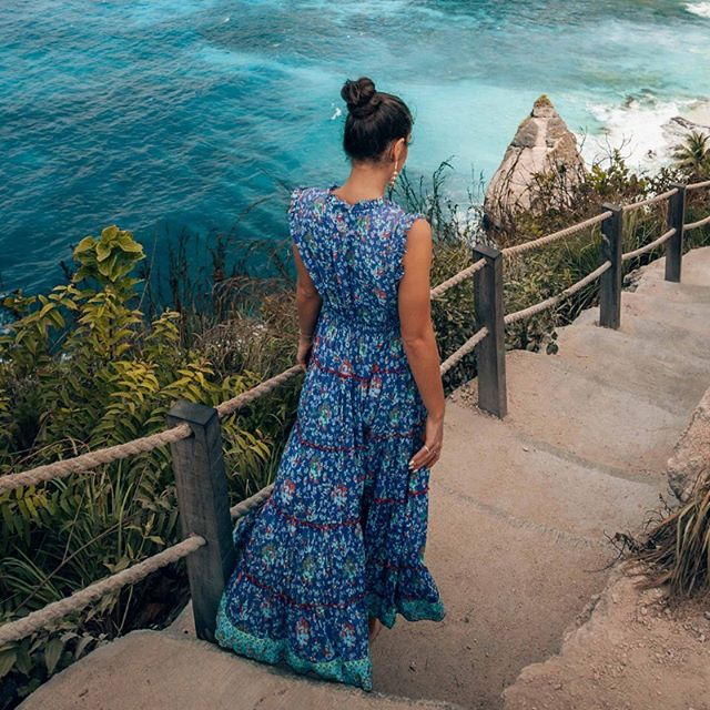 Breathtaking!! @oneworldjustgo in our Sophia Maxi Dress Louvre Print 😍 . . . #Naudic #WomenOfNaudic #AustralianFashion #Fashion #Cotton #Peace #Prints #Travel #TravelWithNaudic #WomensFashion #Australia #Wanderlust #Gypsy