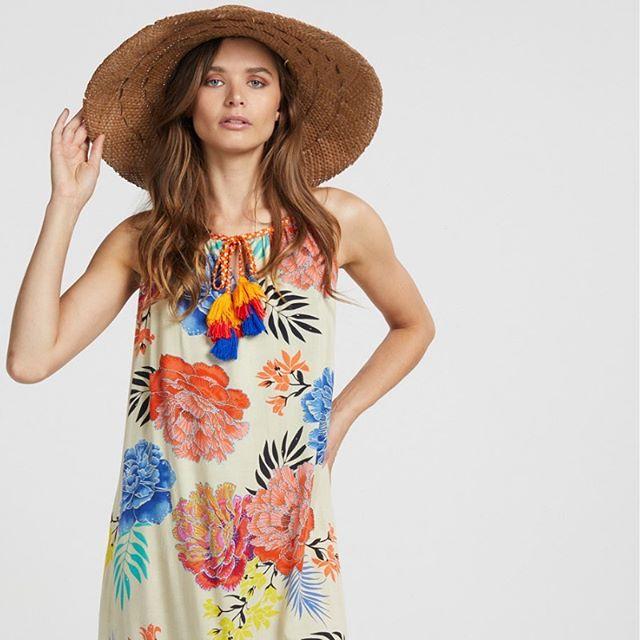Flirty florals and big hats 😍 The Vanessa Maxi Dress, coming soon. . . . #Naudic #WomenOfNaudic #AustralianFashion #Fashion #Cotton #Peace #Prints #Travel #TravelWithNaudic #WomensFashion #Australia #Wanderlust #Gypsy