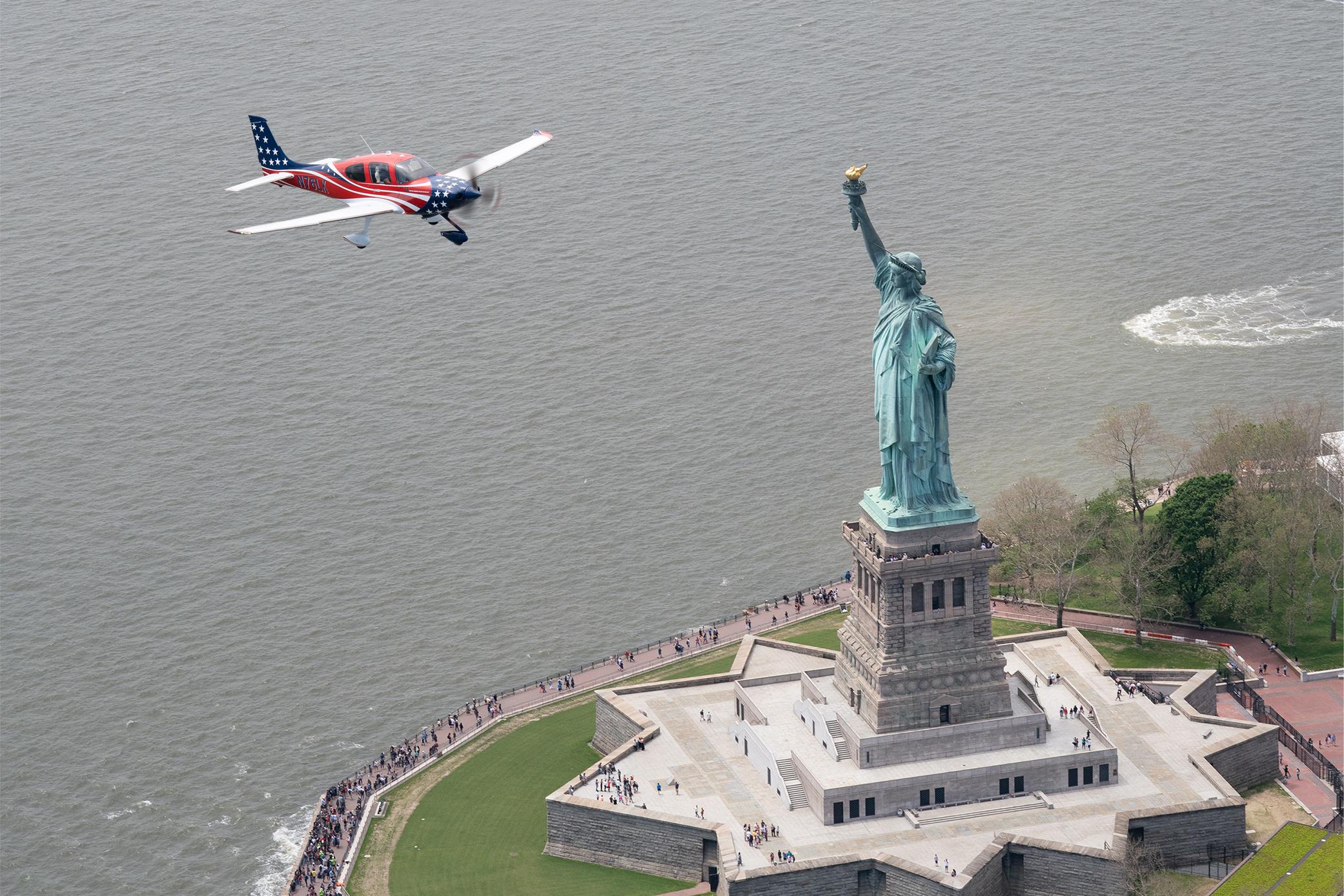 VC SOL Horizontal Sm Plane.jpg