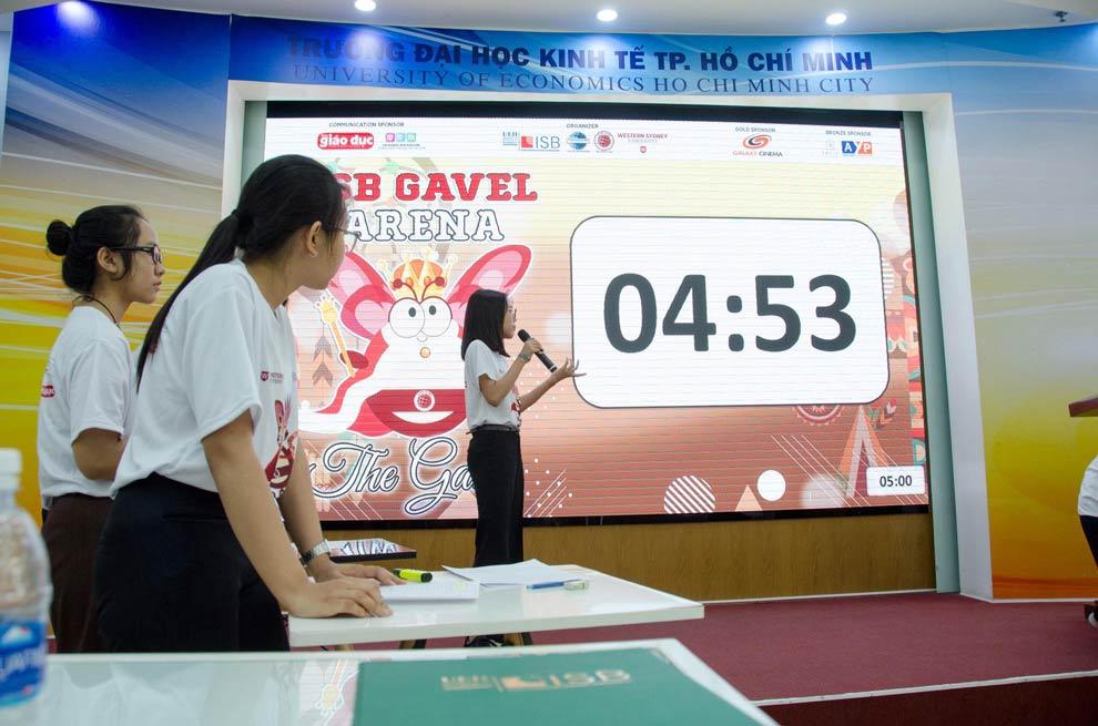 blog_gav_arena_18_debate.jpg
