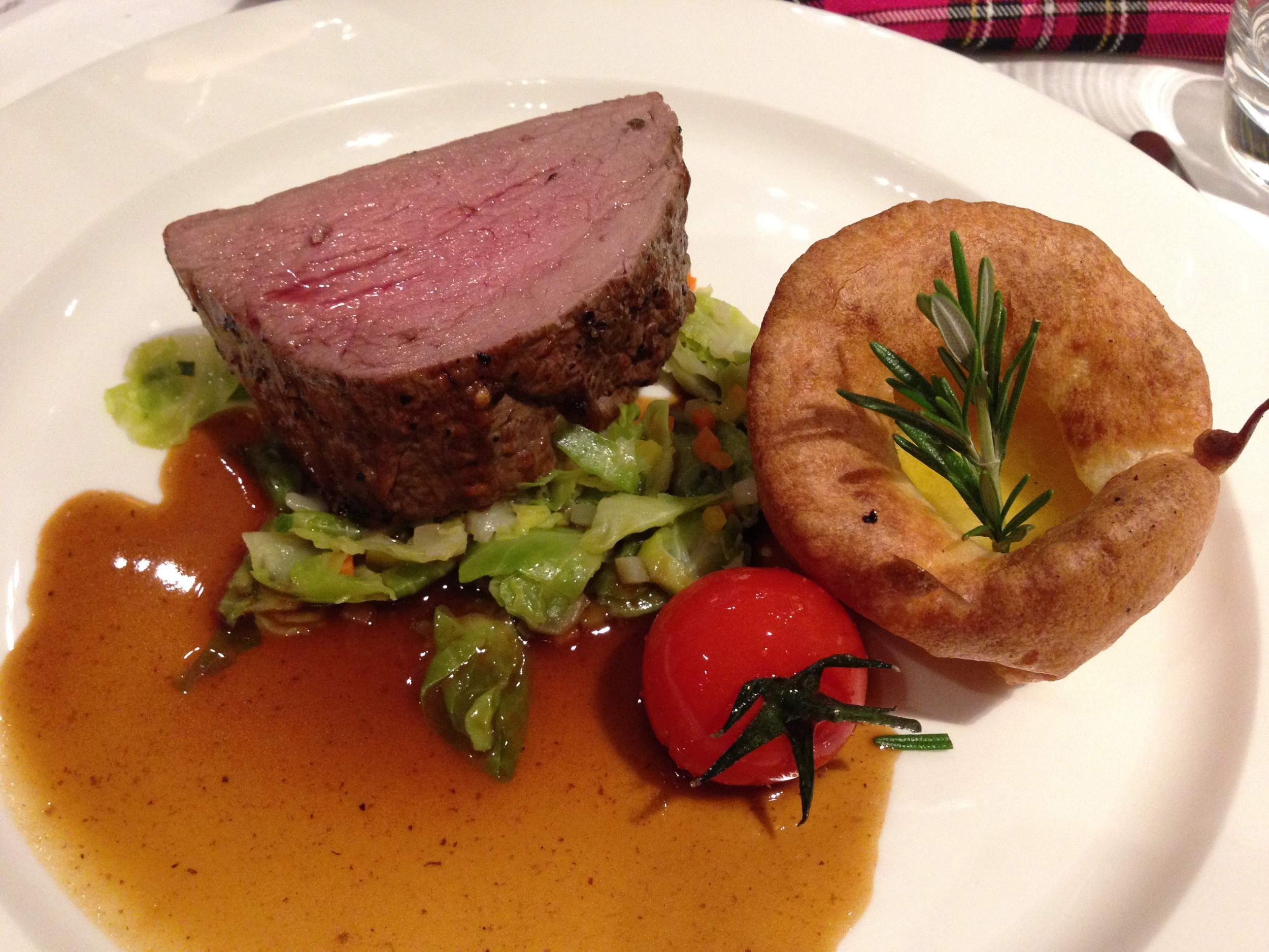 Galloway fillet on sprouts with ale gravy and Yorkshire-Pudding served with a Single Malt Bourbon Wood Adelphi Cask Strenghth 21 years/1992 Glen Grant