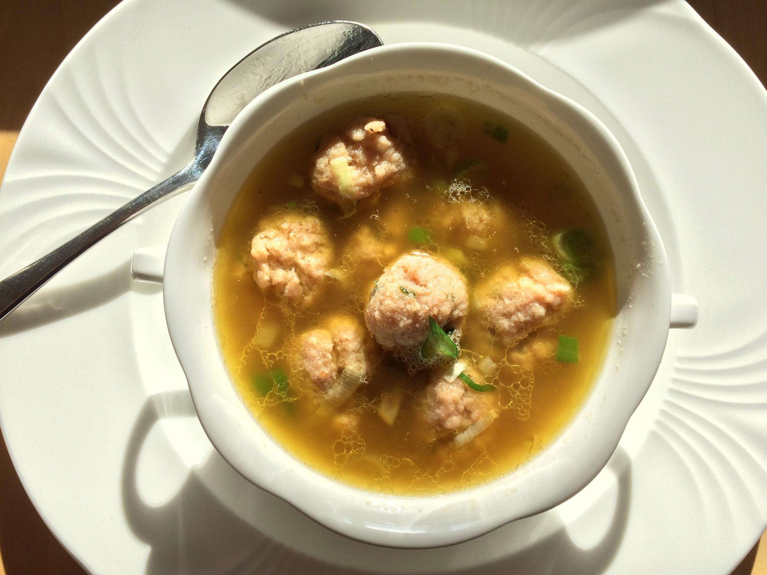 Aaah, a lovely bowl of soup & dumplings