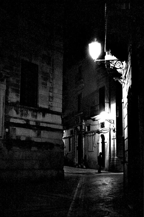 Siracusa | Leica M6, Summicron 50mm, Ilford HP5+ @1600