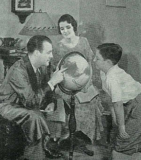 1938-globe-family-600x680.jpg