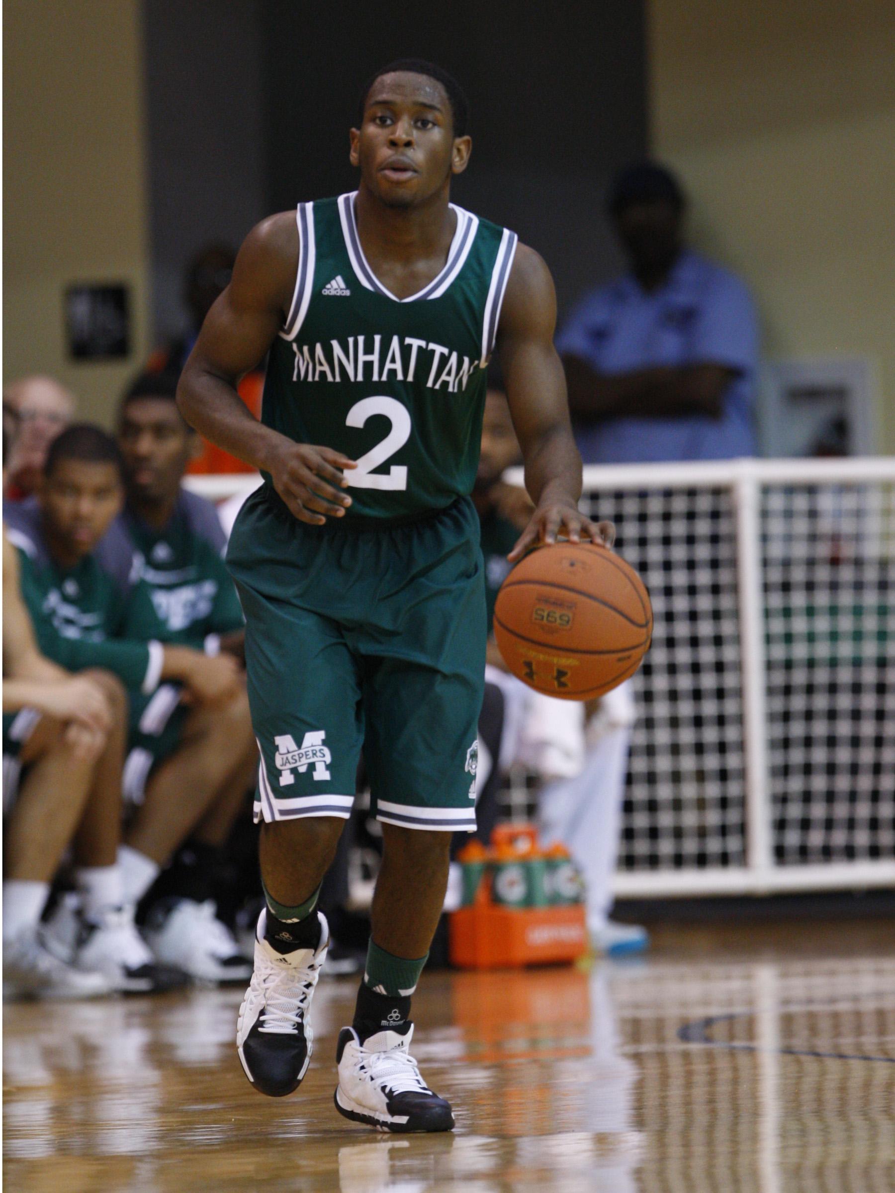 Manhattan vs La Salle Men's basketball game at Lasalle University.11/9/13 Noah K. Murray