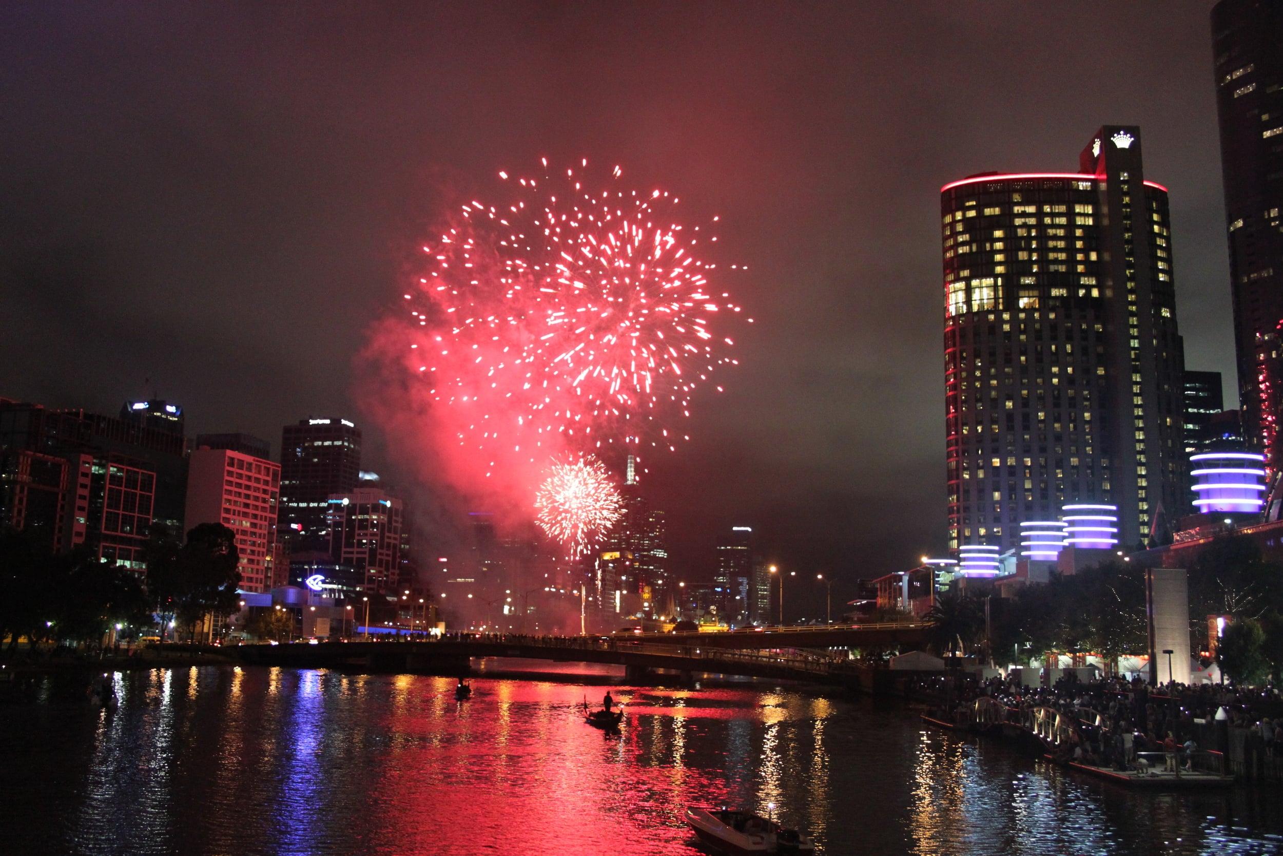 fireworks_over_Yarra_River_AnnaHartley.JPG