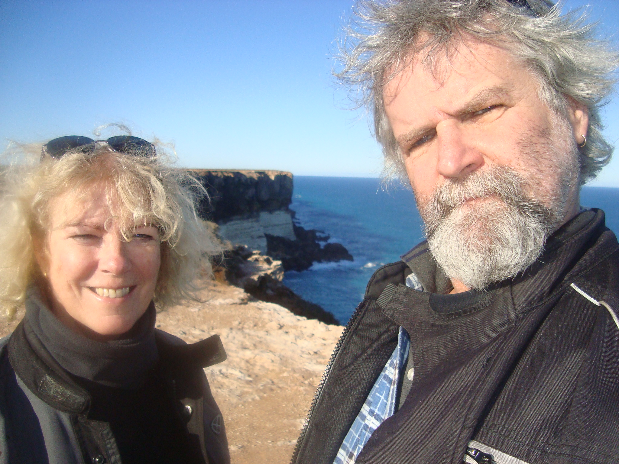 Lynne and Steve at the great Australian Bight/Lynne Oakes