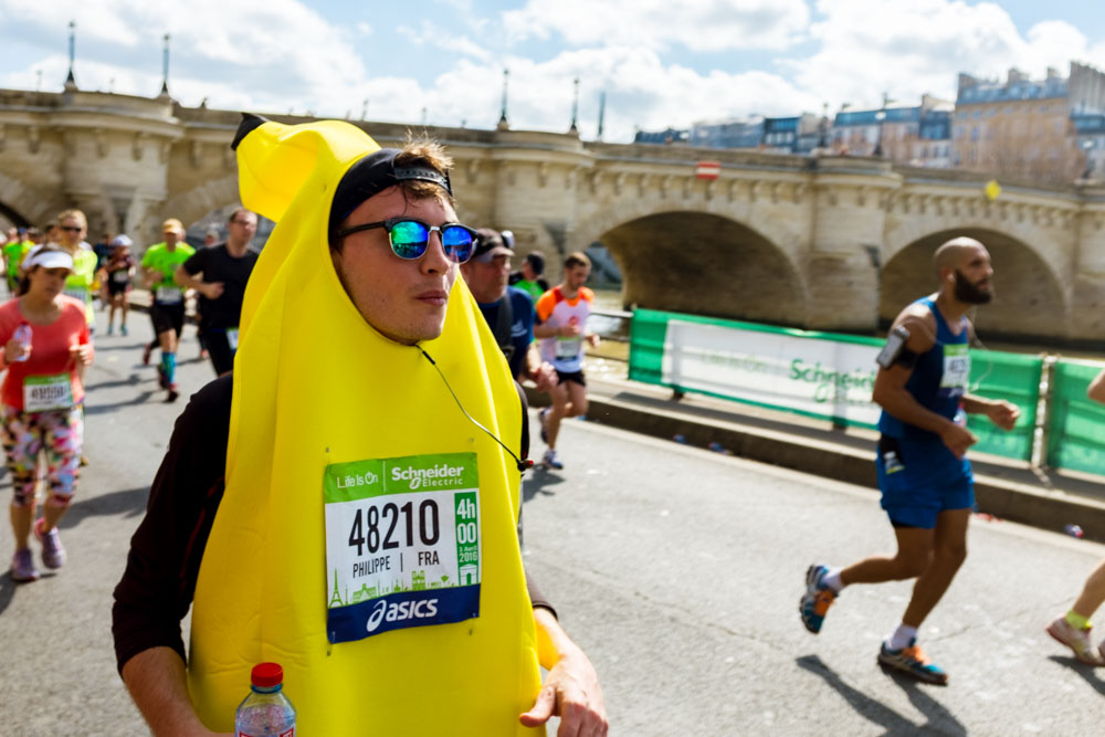 Know your banana: easily identifiable running outfits are also recommended.    IMAGE BY KASSANDRA FRUA DE ANGELI
