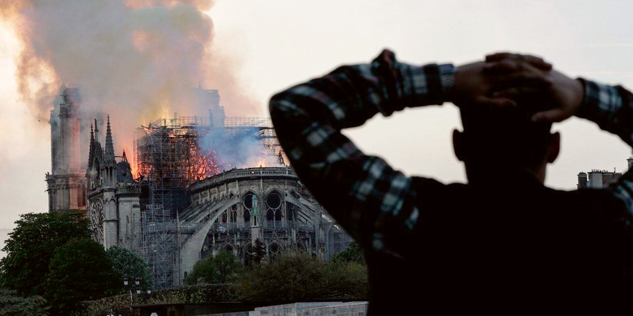 notre-dame-cathedral_fire_paris_beijing.jpg