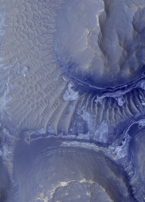 mars Noctis_layers_ESP_014353_1685_br.jpg